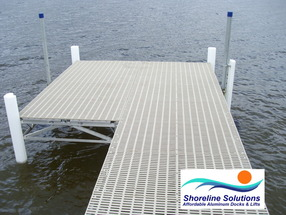 WoW roll-out dock with patio end